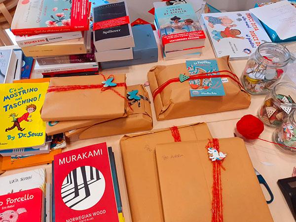 libri impacchettati