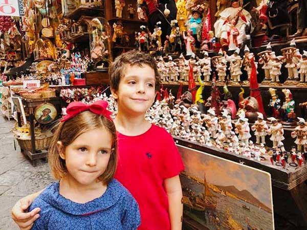 bambini a San Gregorio Armeno