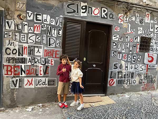 quartieri spagnoli vicoli street art bambini