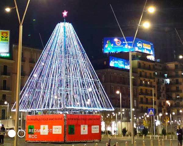 albero Natale piazza Garibaldi