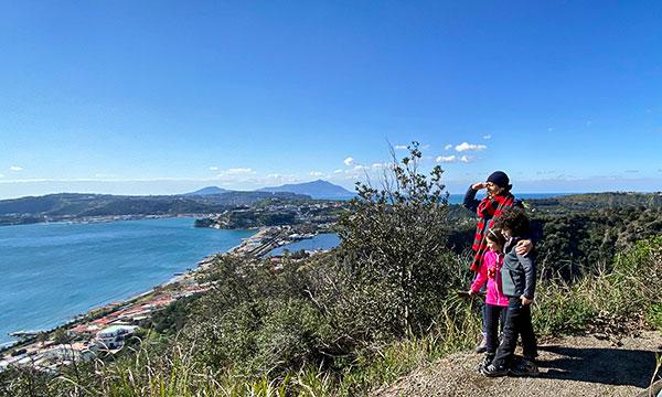 Trekking al Monte Nuovo con i bambini, con picnic sul Lago di Averno