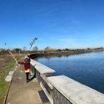 lago fusaro bambina